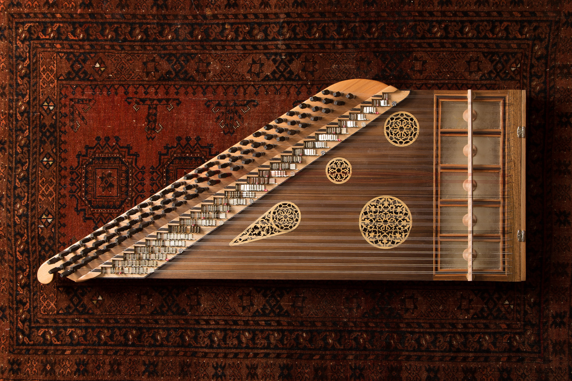 The Qanun — Traditional Arabic Music and Dance