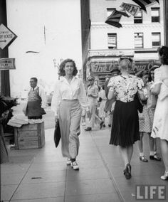 Singer Marilyn Hall walking down Hollywood and Vine. Hollywood, CA, US August 1944 LIFE magazine
