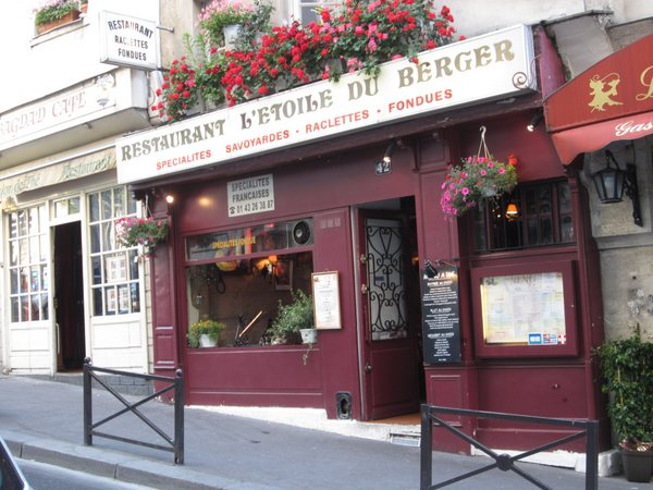 My favorite restaurant on the Left Bank: Restaurant L'Etoile du Berger (roughly translated as the Shepherd's Star Restaurant). I did, indeed, come back here for the fondue after I returned from Dresden.