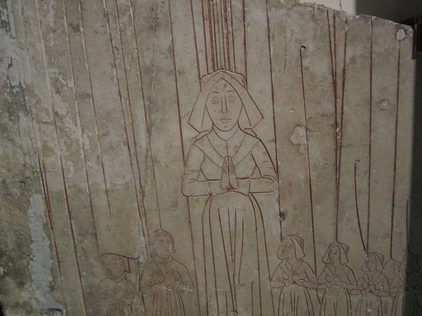 This tombstone, although quite faded, shows traces of red coloring. I am guessing the person buried under it was an important holy woman, probably an Abbess. Musée de Cluny / Musée national du Moyen Âge, Paris, France.