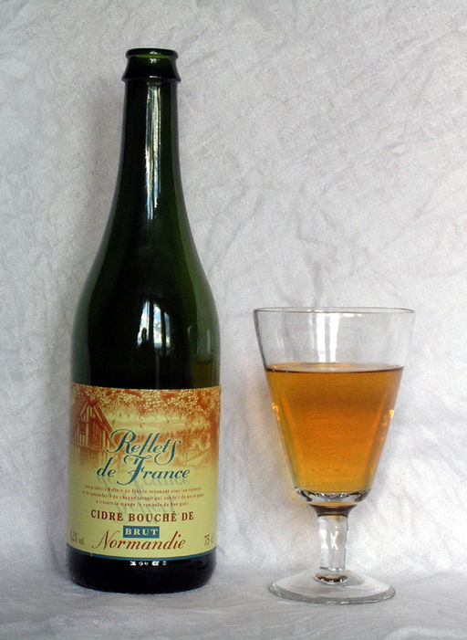 Normandy Cider by User: Mahlum (Own work) [Public domain], via Wikimedia Commons