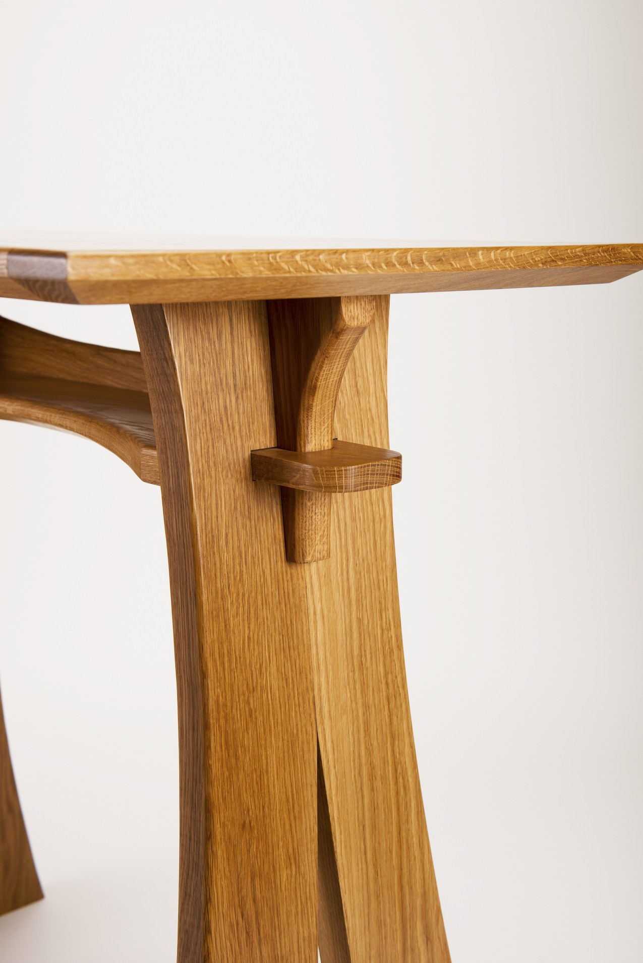 Furniture025.jpg