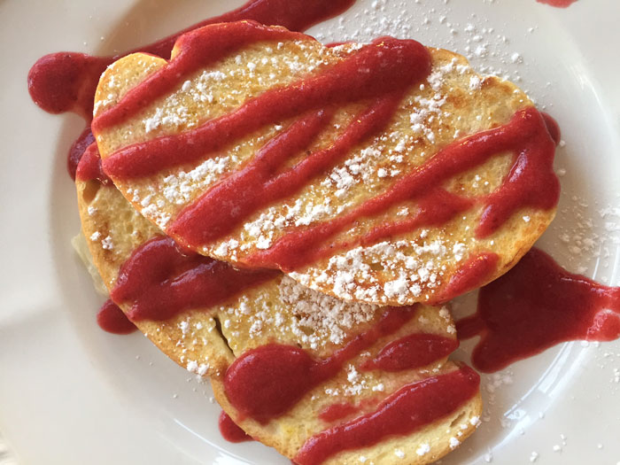 French-Toast-with-Strawberry-Sauce.jpg