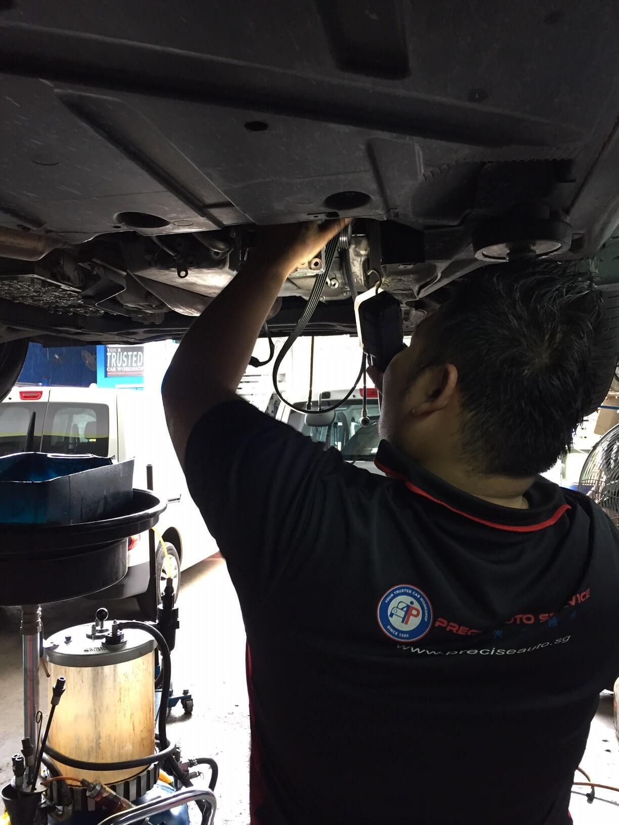 Removing the fan belt and fan belt pulley