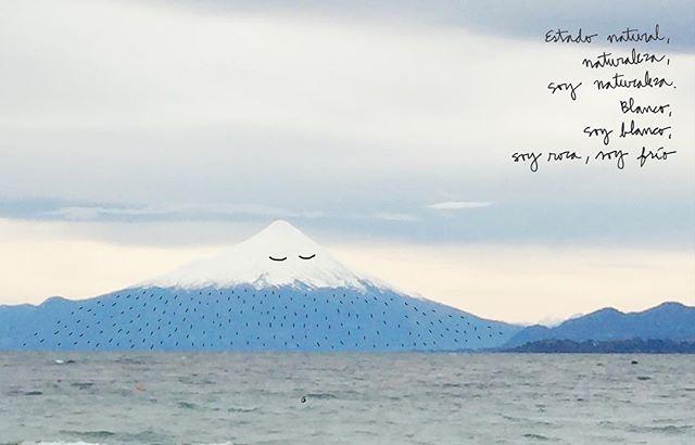 hoy día el volcán estaba soñao 😌 #holateamo #volcanosorno #puertovaras #mountainillustration #sursiempresur #ilustracionchile