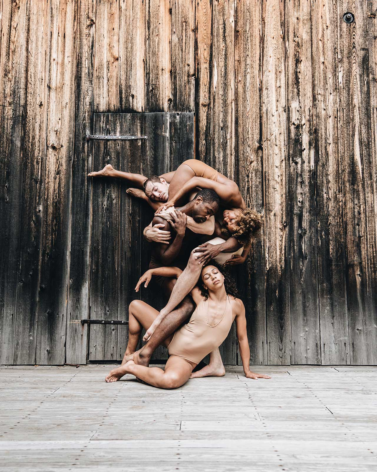 f10_cameras_and_dancers_jacob_jonas_the_company_yatzer.jpg