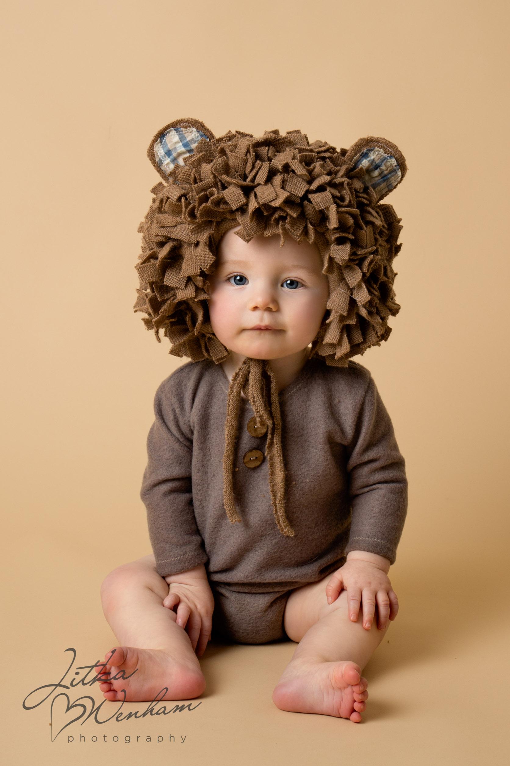 newborn-photography-children-baby-milton keynes-cake-smash-1-9.jpg