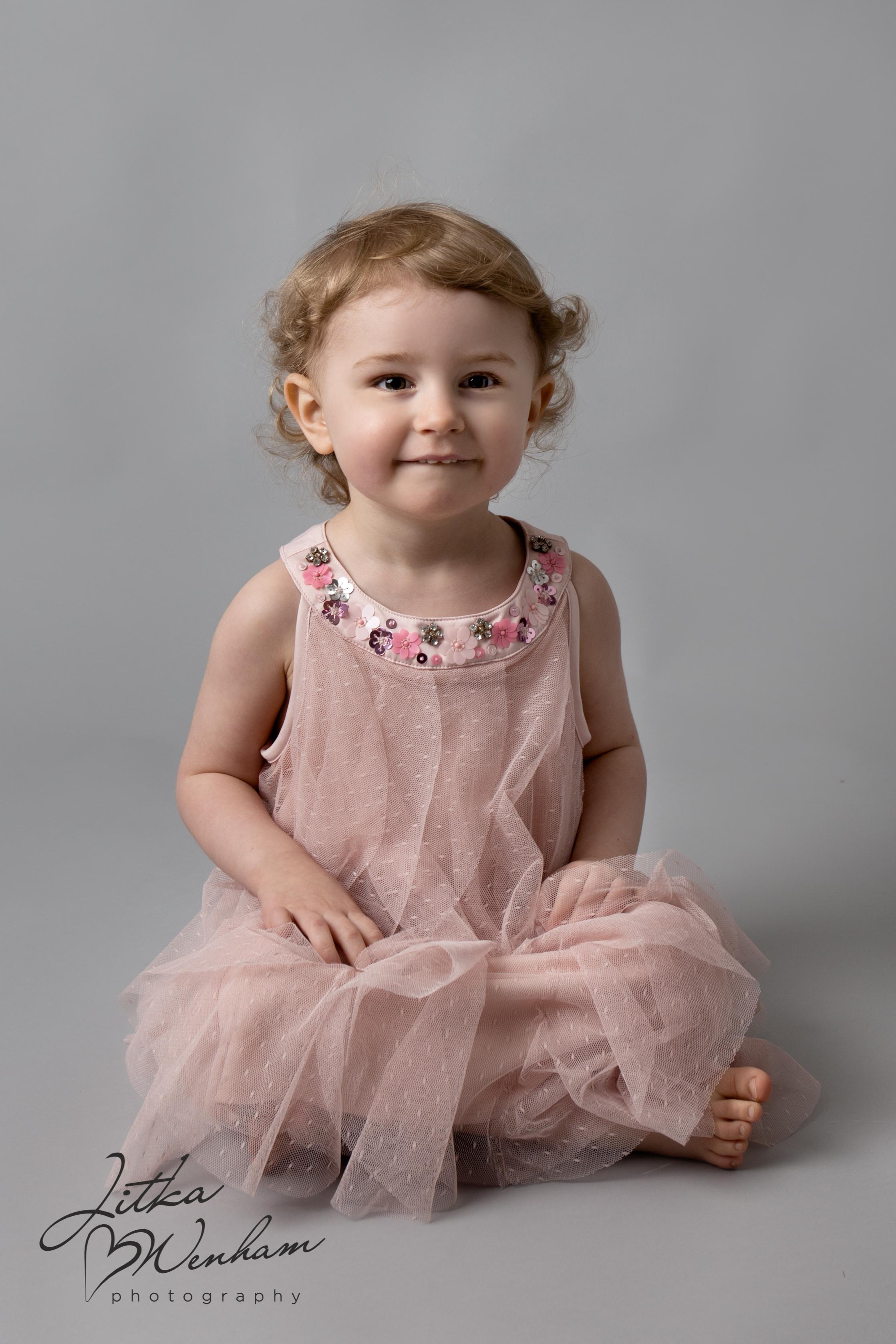 newborn-photography-children-baby-milton keynes-cake-smash-z-1-10.jpg