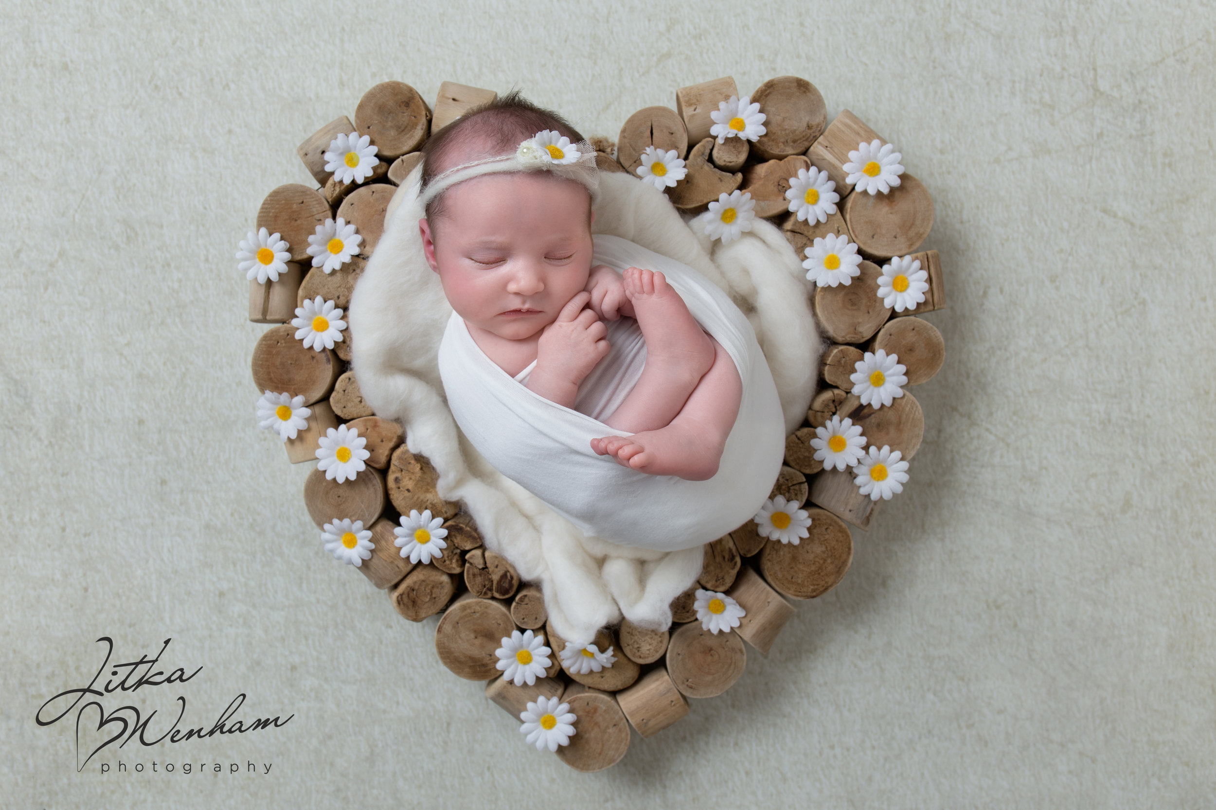 newborn-photography-children-baby-milton keynes-cake-smash-1.jpg