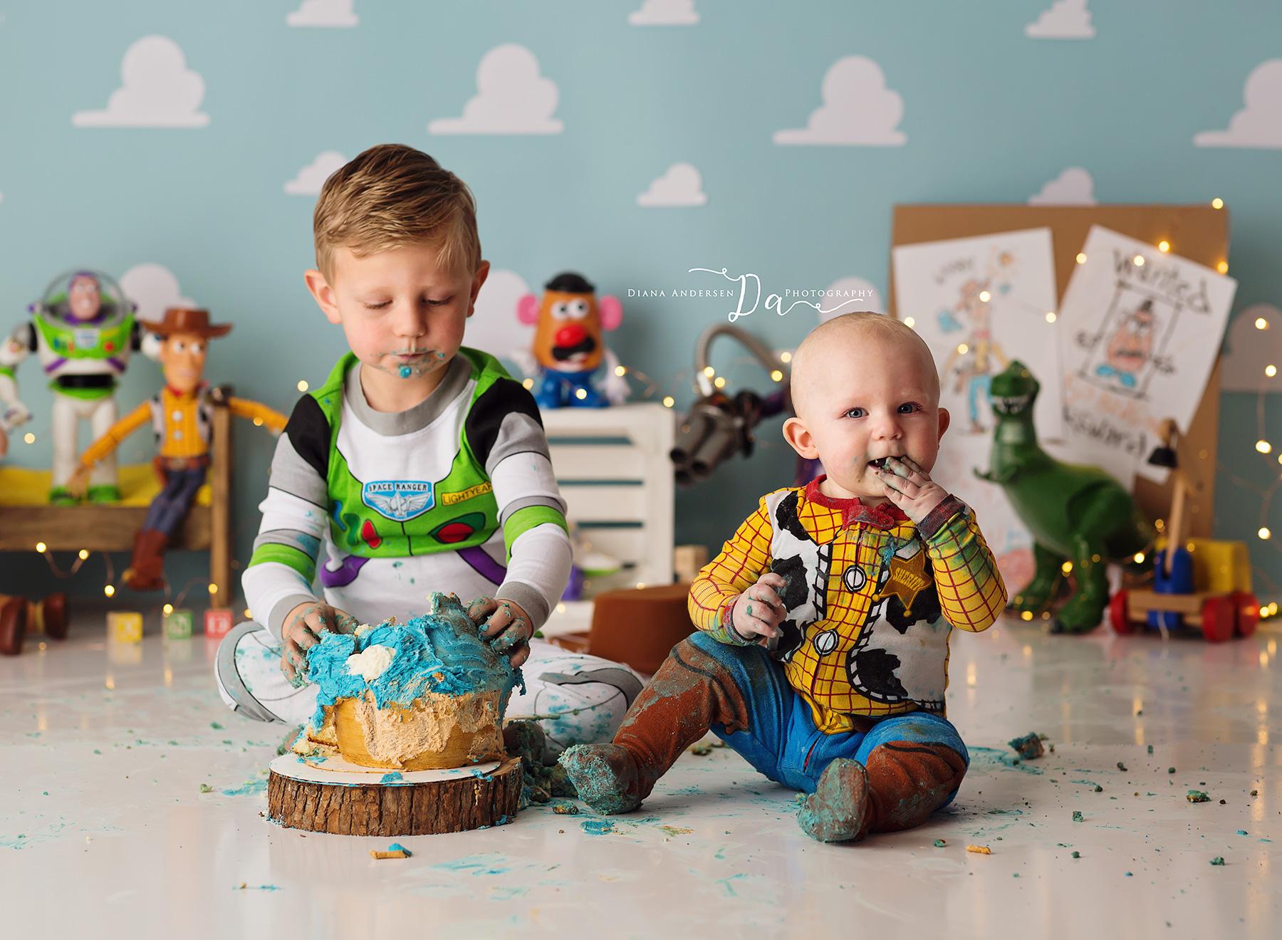 Rhett-cake-smash5-fb.jpg