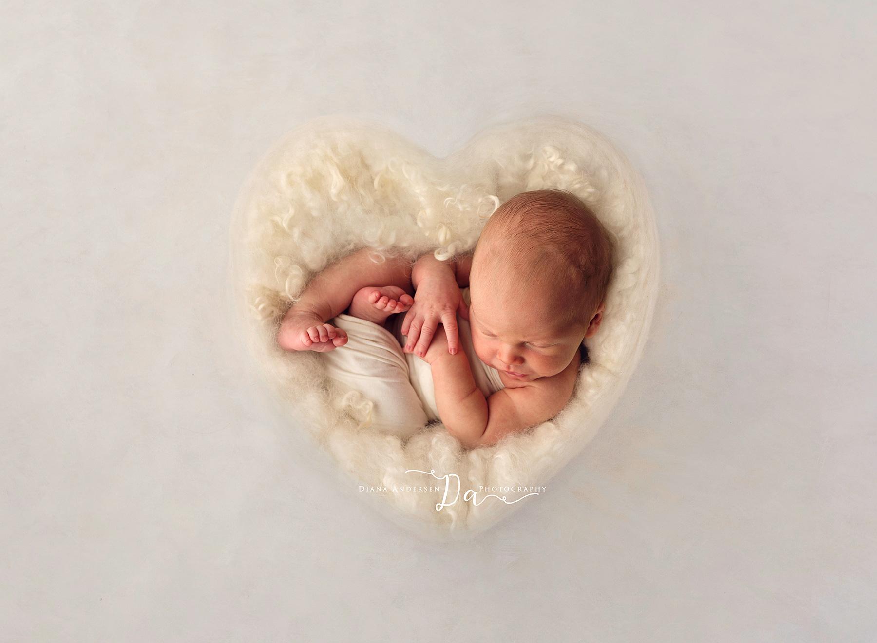 Lincoln-newborn8-fb.jpg