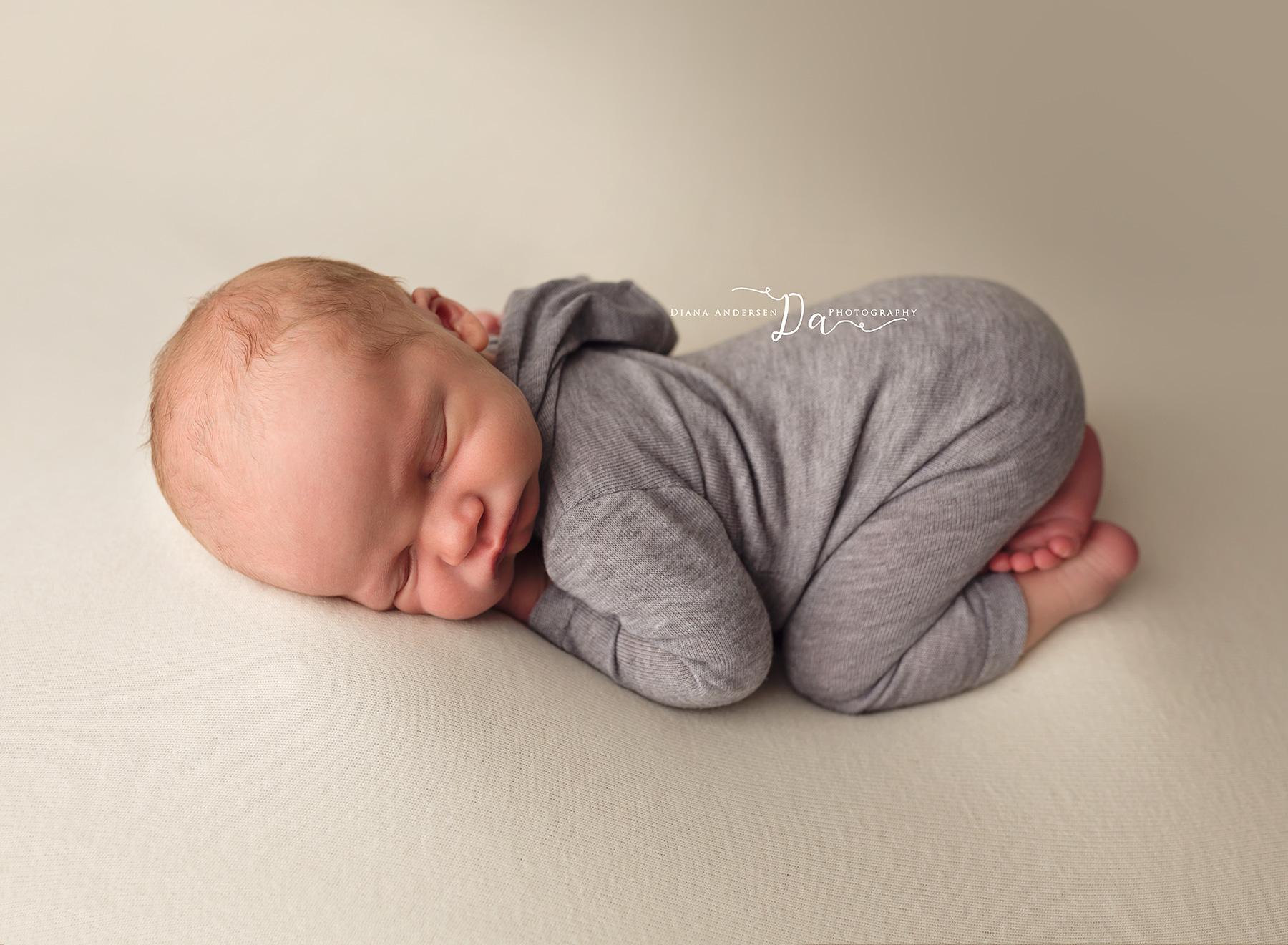 Lincoln-newborn9-fb.jpg