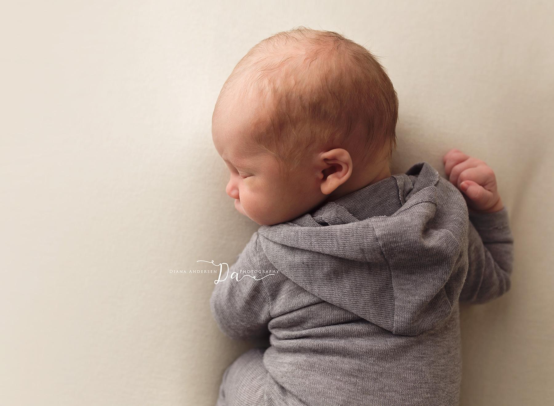 Lincoln-newborn11-fb.jpg