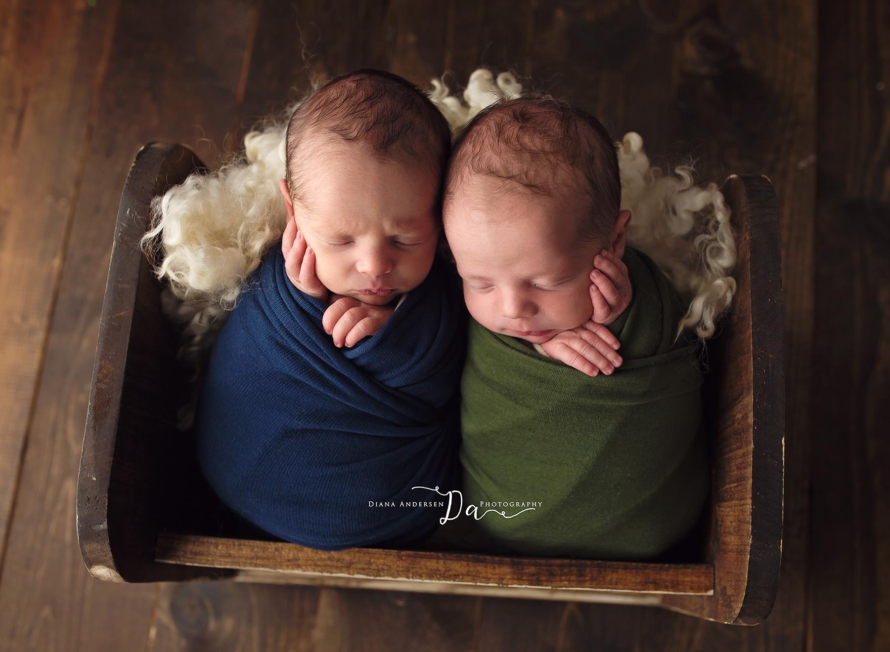 owen-aiden-newborn10-fb.jpg