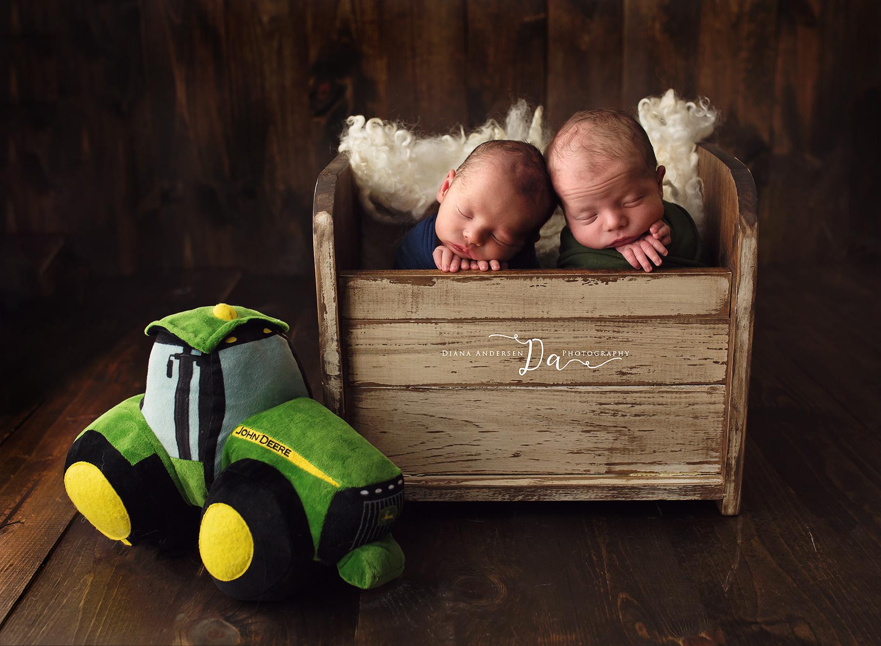 owen-aiden-newborn12-fb.jpg