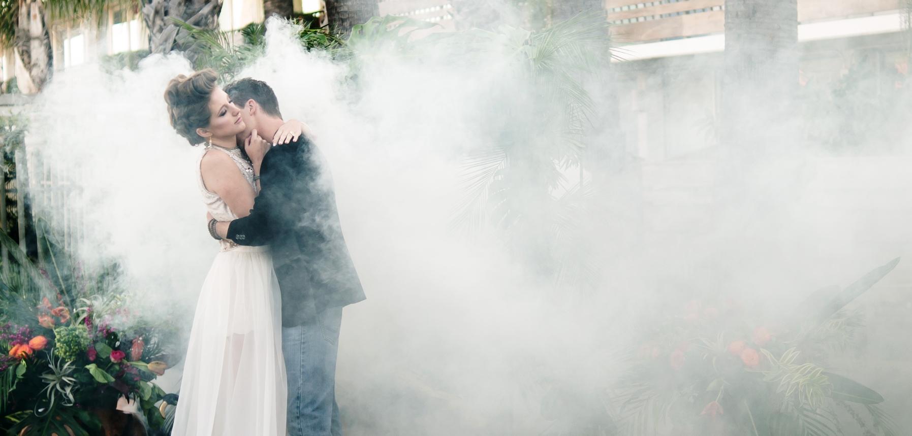 Mjukt ljus, och lite rök, gör den gråaste dagen vacker och spännande! I brist på dimma finns rökpatroner...