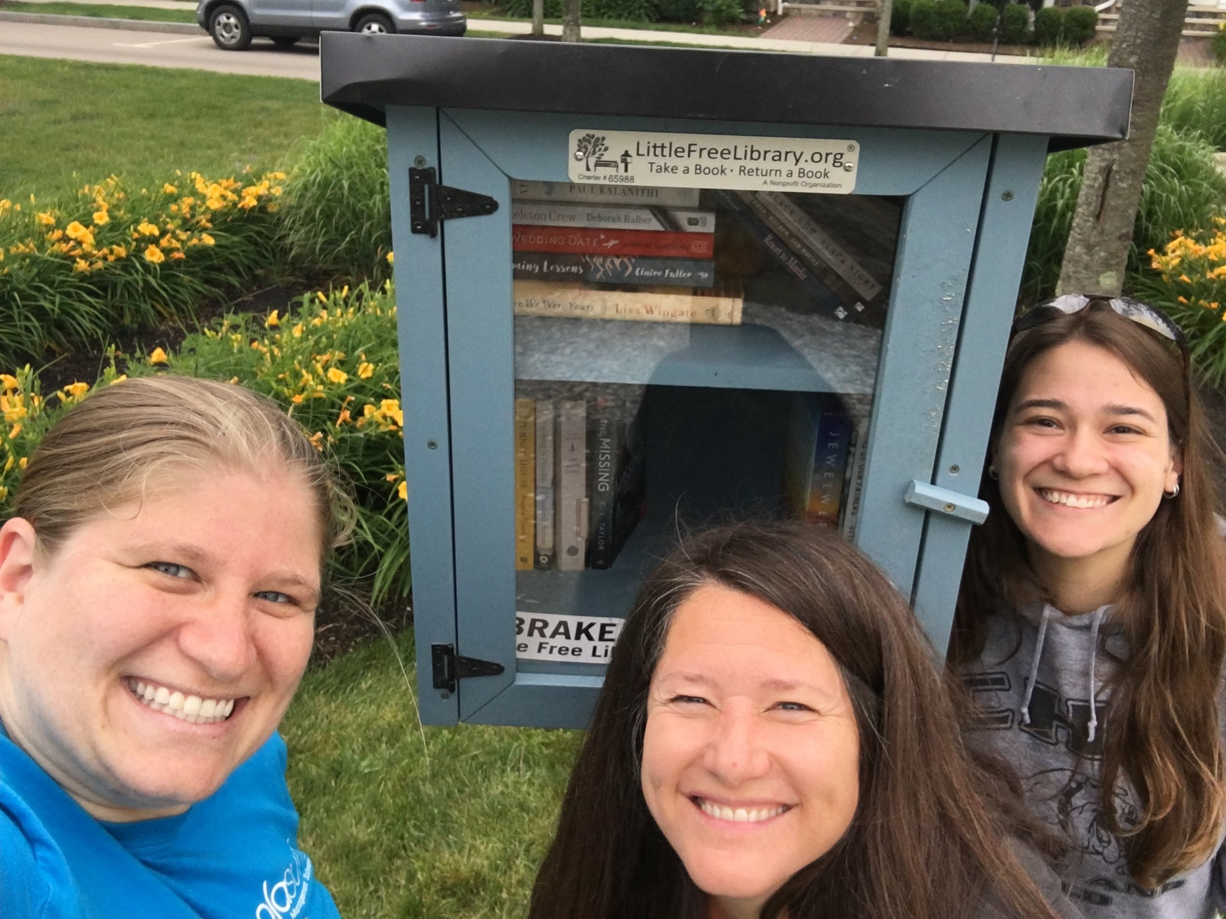 June 2018 - Neighbors Installed the little free library in the main park. Feel free to leave a book or take a book.This will be maintained by the SNA so please let us know if you see anything that needs to be fixed.