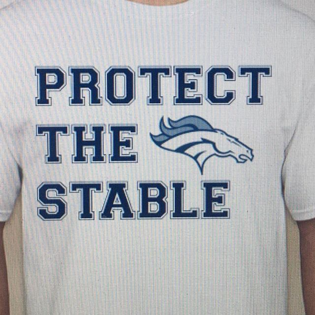 """STUDENTS! First 50 of you (beginning at 5:45pm) get a free #ProtectTheStable shirt and free pizza 🍕  Girls 6pm vs Lynnwood Boys 7:30pm vs Shorecrest  Both games are """"do-or-die"""" : winner to districts, loser out. #ProtectTheStable"""