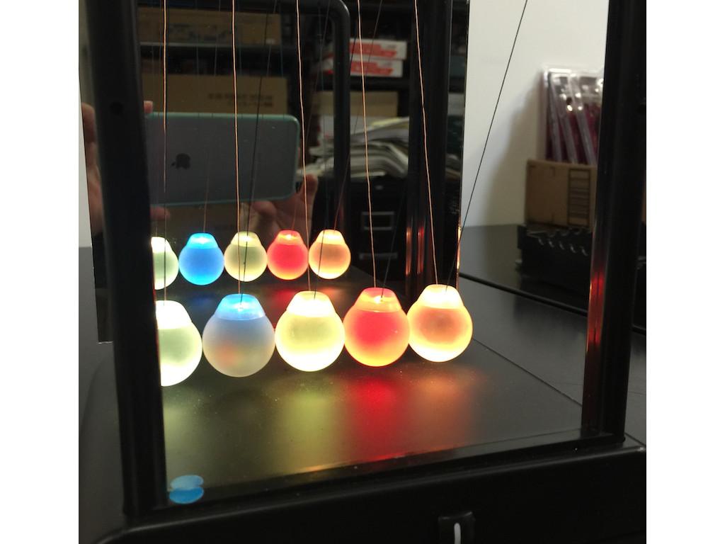 Light Up Newton's Cradle