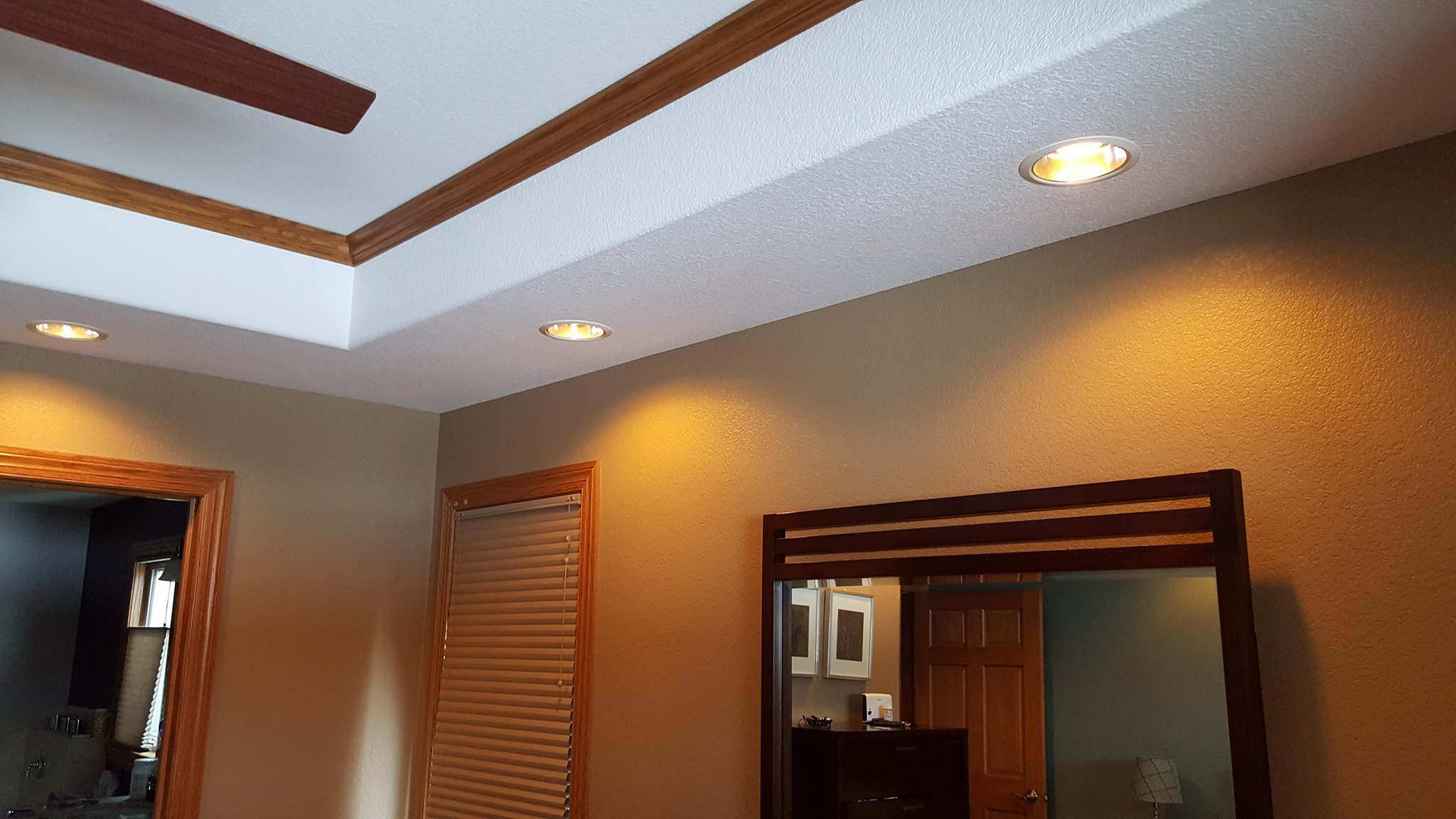 Led upgrade - 520 watts of power to only 76 watts. LED lamps are a warm dim that we provide. Very nice