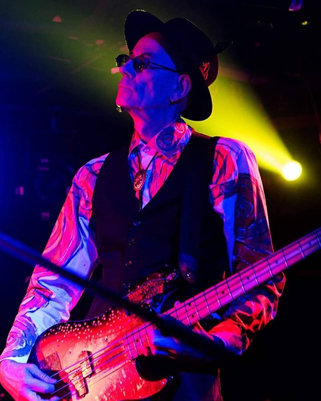 Great image of #JoweHead by Peter Tainsh . 🖤 #RudeMechanicals . #postpunk  #avantgardemusic  #darkcabaret  #psychocabaret  #bassist  #musician