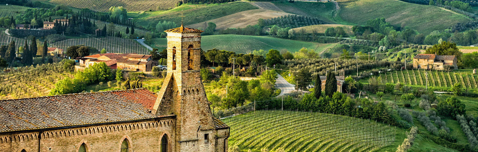 countryroadsofumbriaandtuscany_sangimignano_hero01.jpg