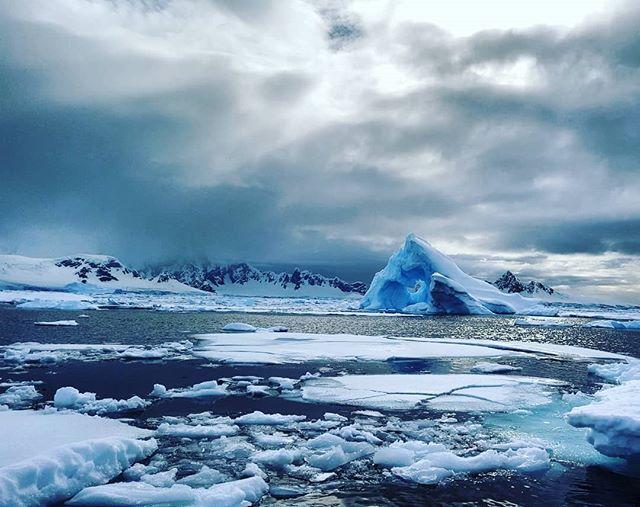 Natural beauty #zenluxurytravel #antarctica #cadencememories #travel #expedition #adventure #bucketlist