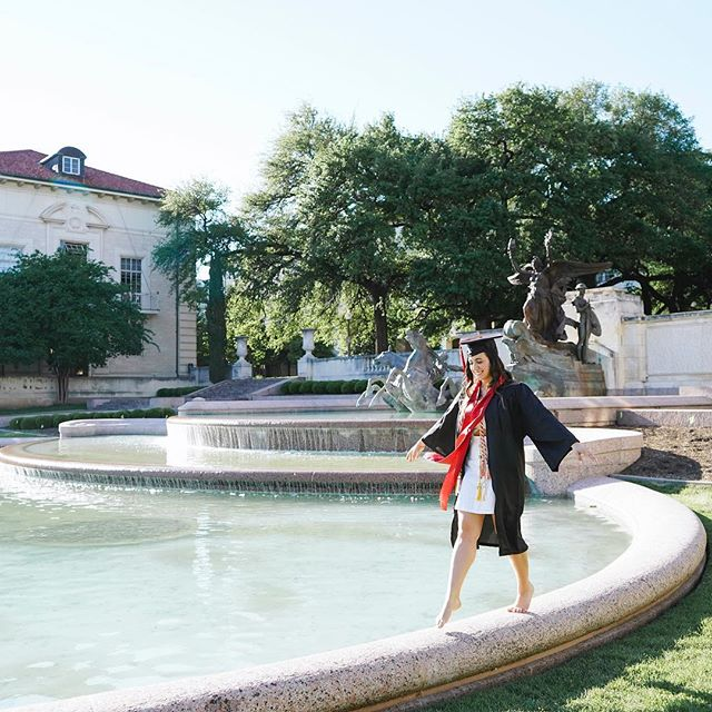 I love that my clients are loving these photos! I asked @joshylona to capture me walking around the fountain during my grad shoot in 2017, and it warms my hear that I have clients asking me to do this same thing for them 😍
