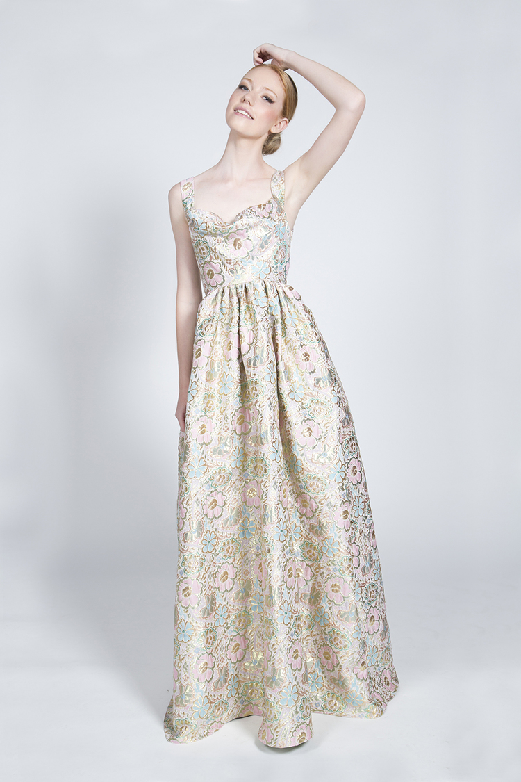 <p><strong>Flower Bride</strong>Vienna  $2,400</p>