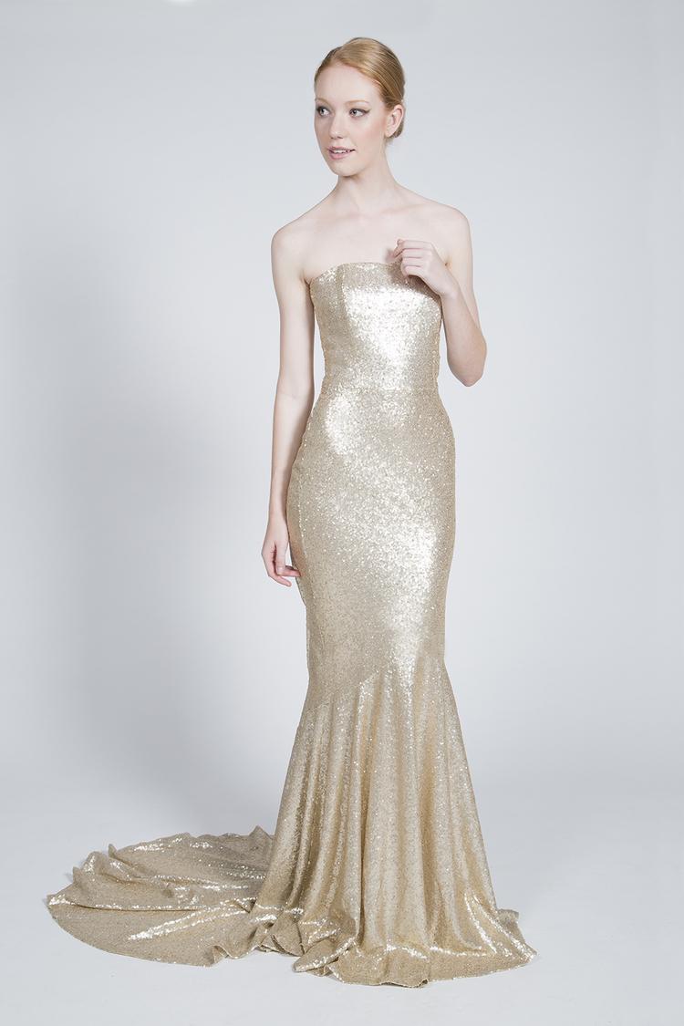 <p><strong>Flower Bride</strong>Golden $1,900</p>