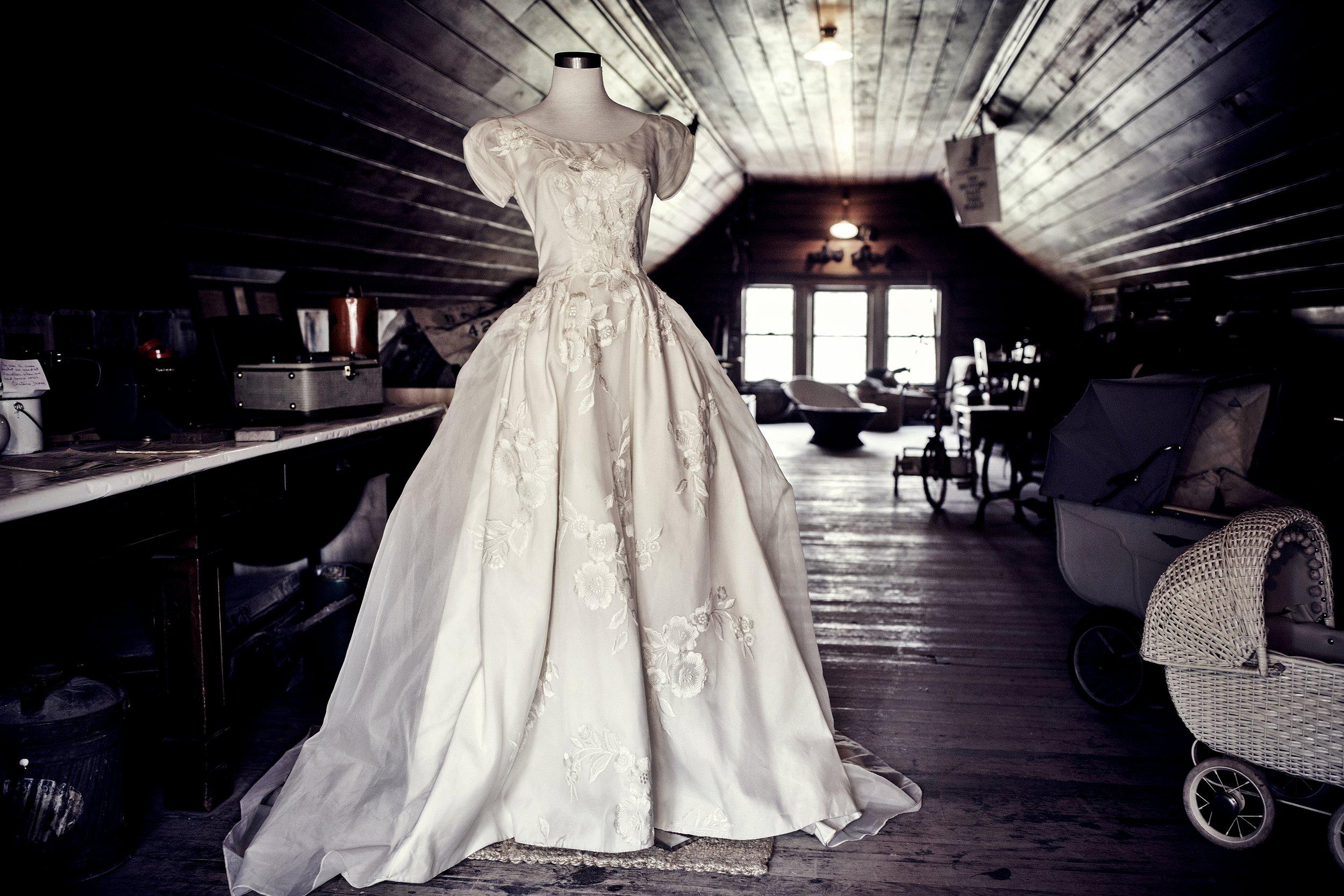 Riccarton House Attic - open wedding day - Christchurch bride - Johannes van kaan Photography