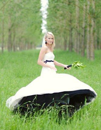Aleisha - silk taffeta, black net - South Canterbury bride - Fiona Anderson Photography