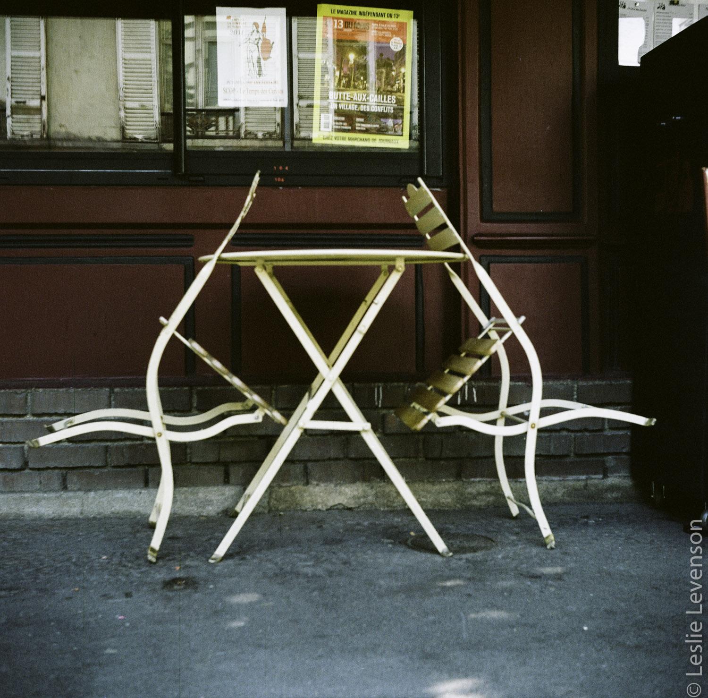 empty_table_trois_cerises.jpg