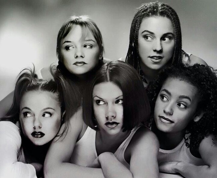 A promo photo of the Spice Girls when they first came together as a group (Pinterest).