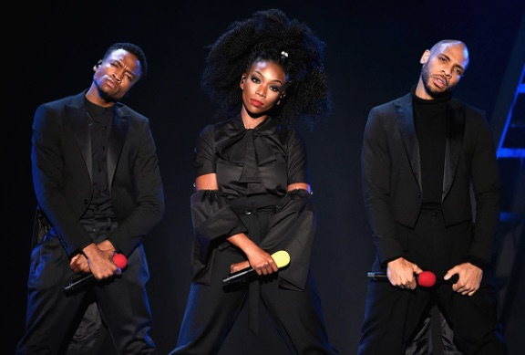 Brandy gives major attitude and fierceness during the beginning of her performance.