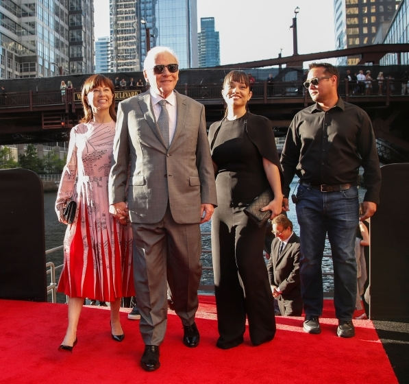 Anthony Hopkins showing up with his wife and entourage.