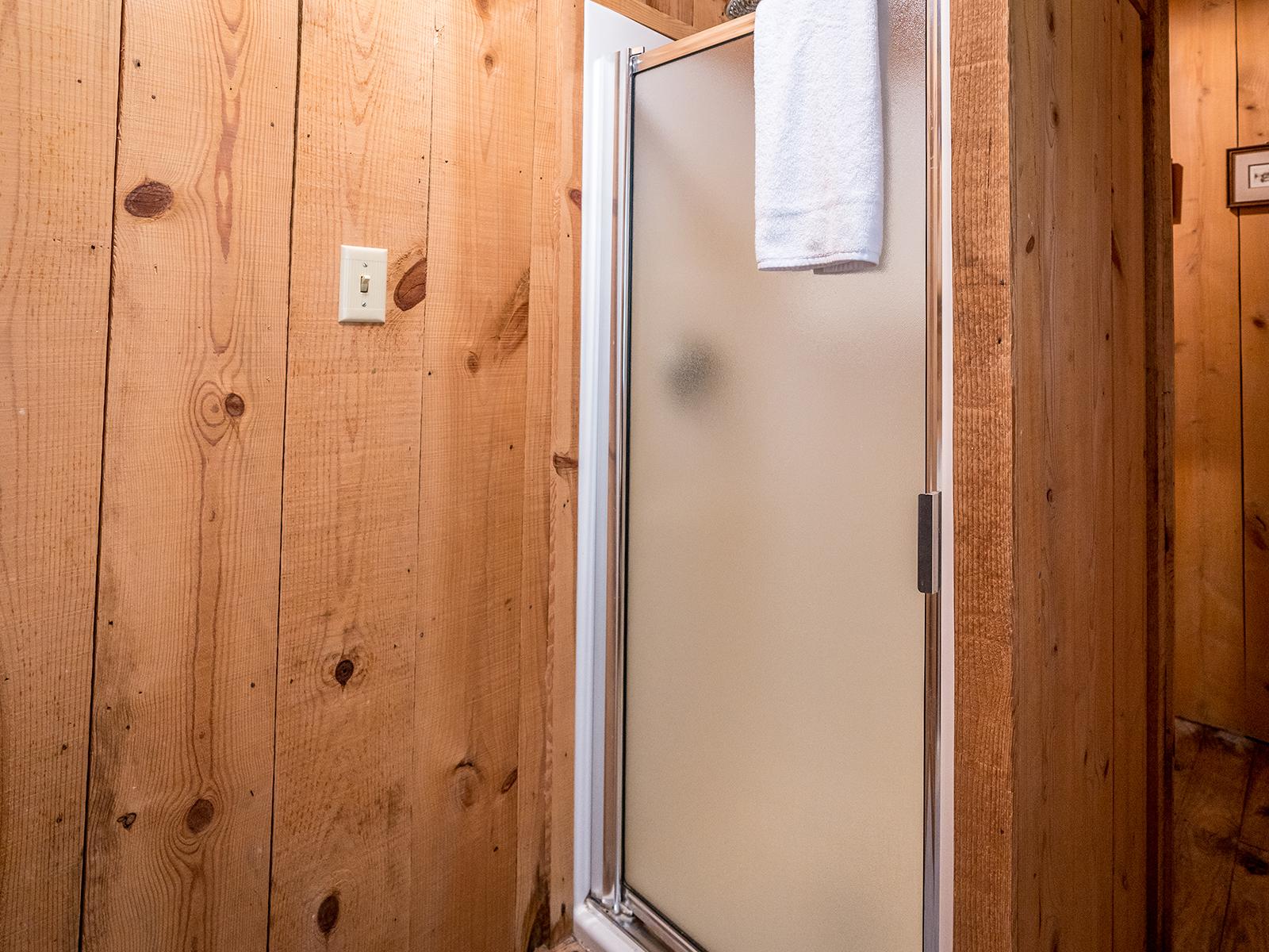 CC_bathroom_02.jpg
