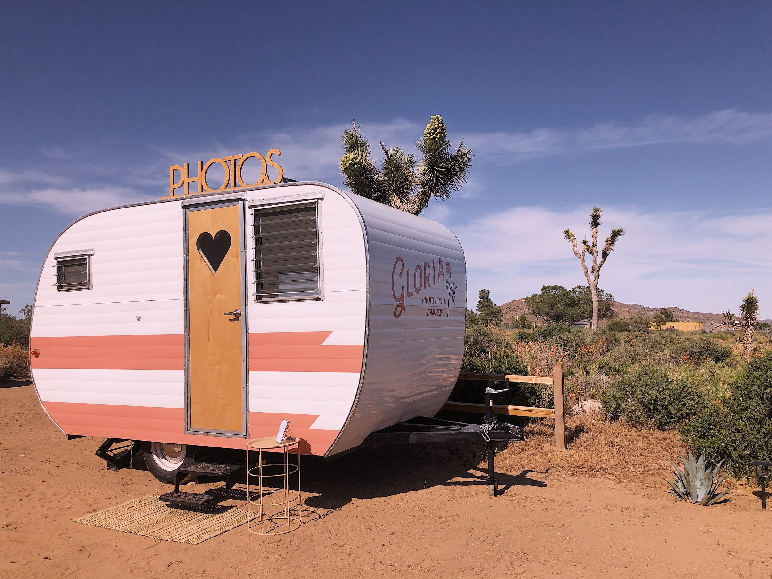 PHOTO BOOTH CAMPER JOSHUA TREE PALM SPRINGS