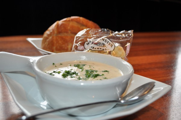 Best C    lam Chowder      «     Easy Reader News