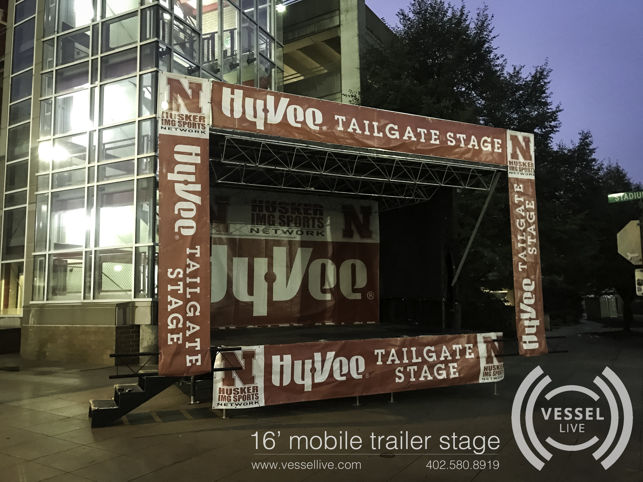 16' mobile trailer stage