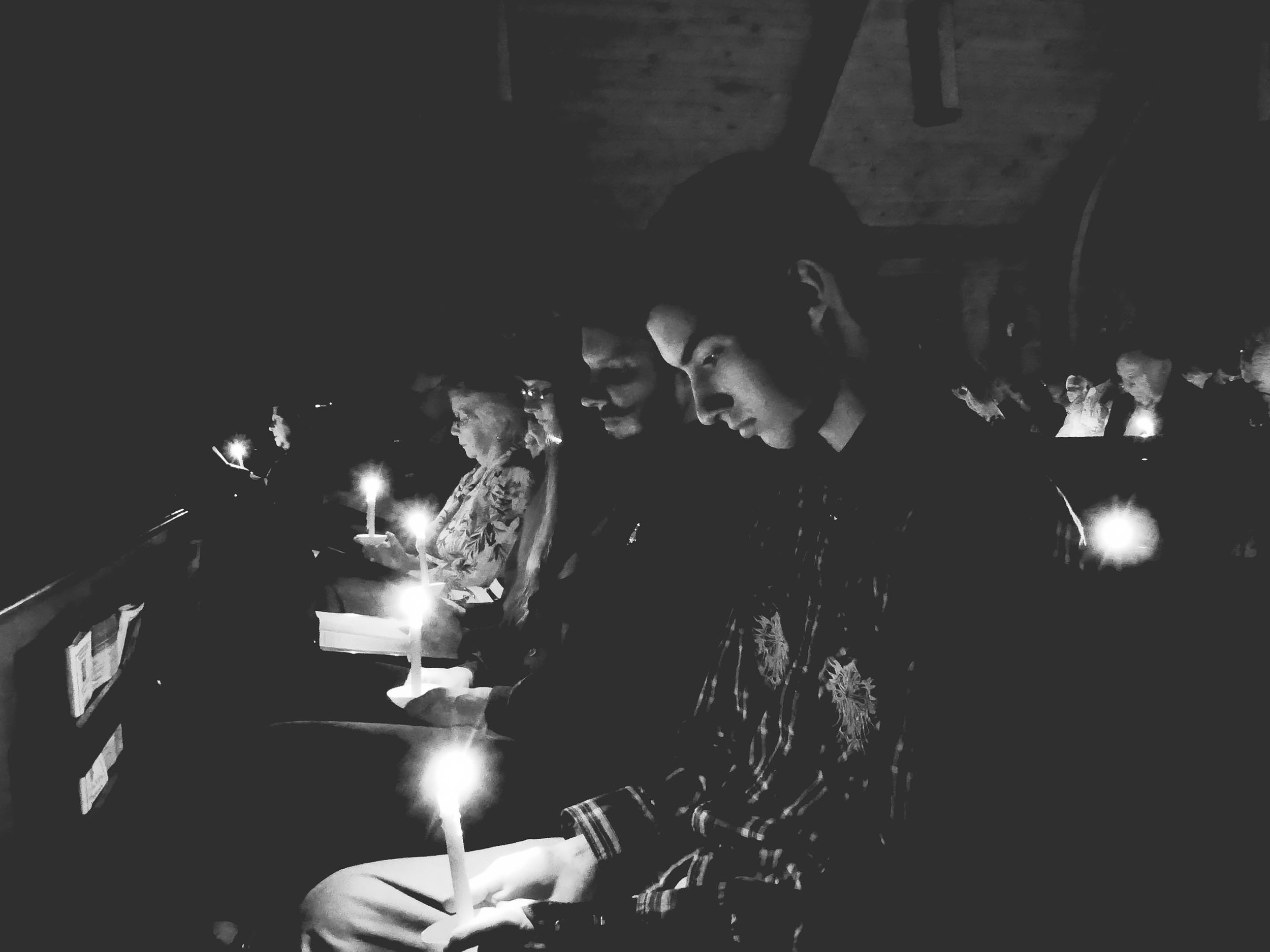 Candle blk & wht.jpg