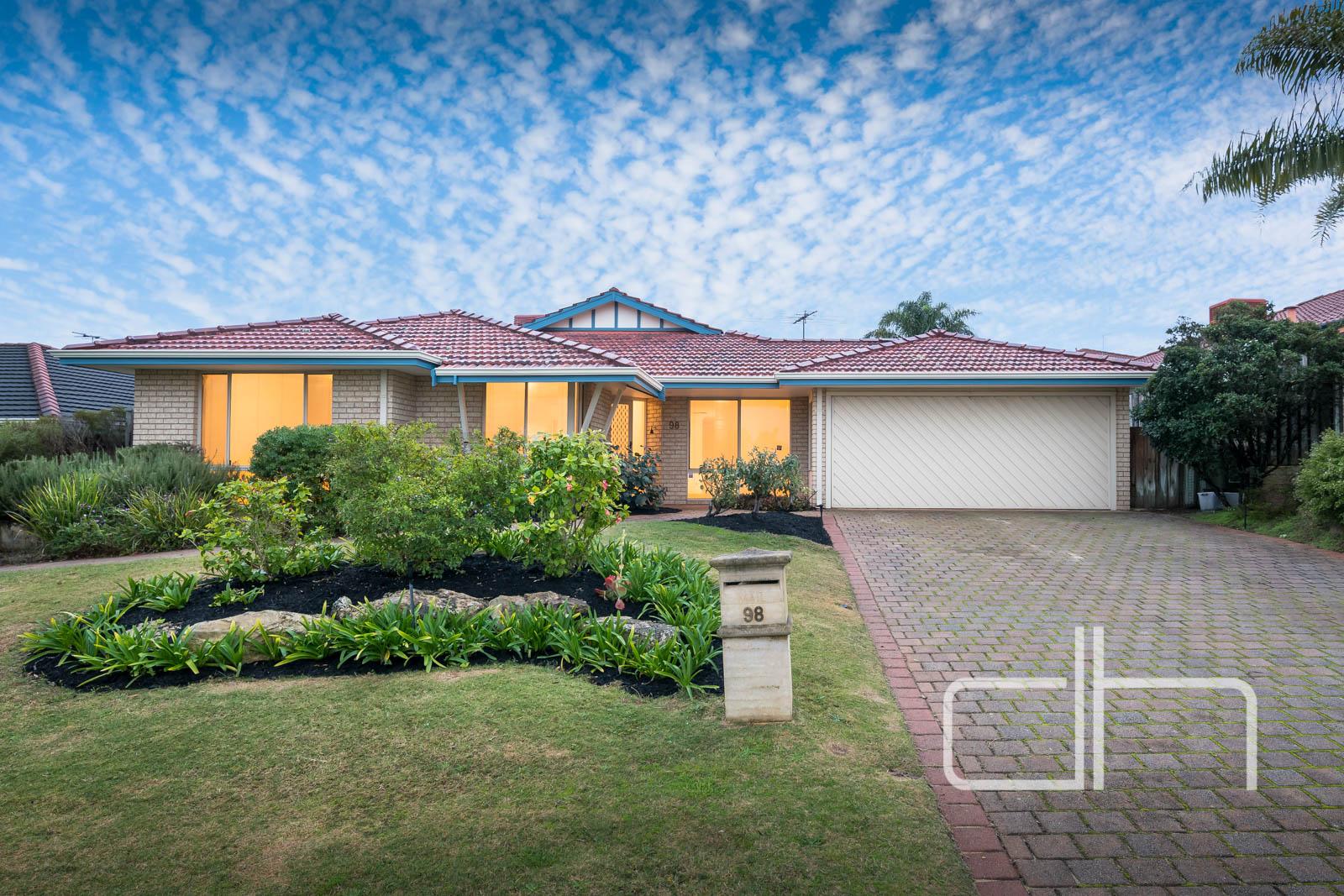 98 Queensway Road $480,000