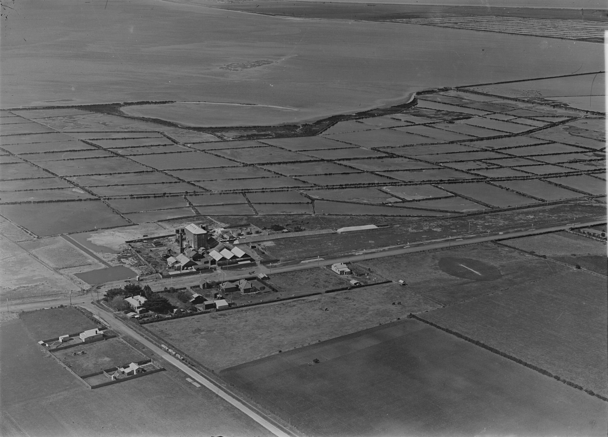 Photographed by Charles Daniel Pratt. (1939)  'Salt Fields Geelong'  Photograph provided by  State Library of Victoria