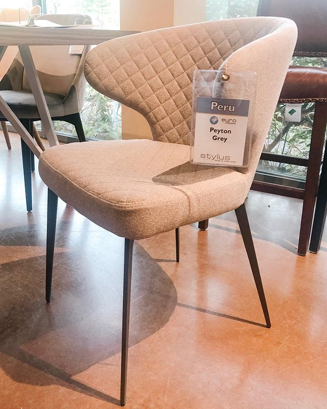 Had a great time at the Designer Showcase held by @stylussofas yesterday! Really loving this stylish, affordable, and super comfy dining chair. Now I'm itching to update my own space... 🤓Where to start when I have so many ideas?! . . . #lhstylus #designerproblems #diningchairs #timeforsomechanges #interiordesigntrends #comfortandstyle