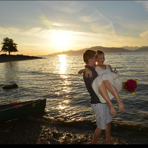 That perfect day 5 years ago when we had a beach wedding at Spanish Banks ❤️ @martinszabophotography . . . #weddinganniversary #weddingbeforethewedding #wedding1of2 #stillinlove