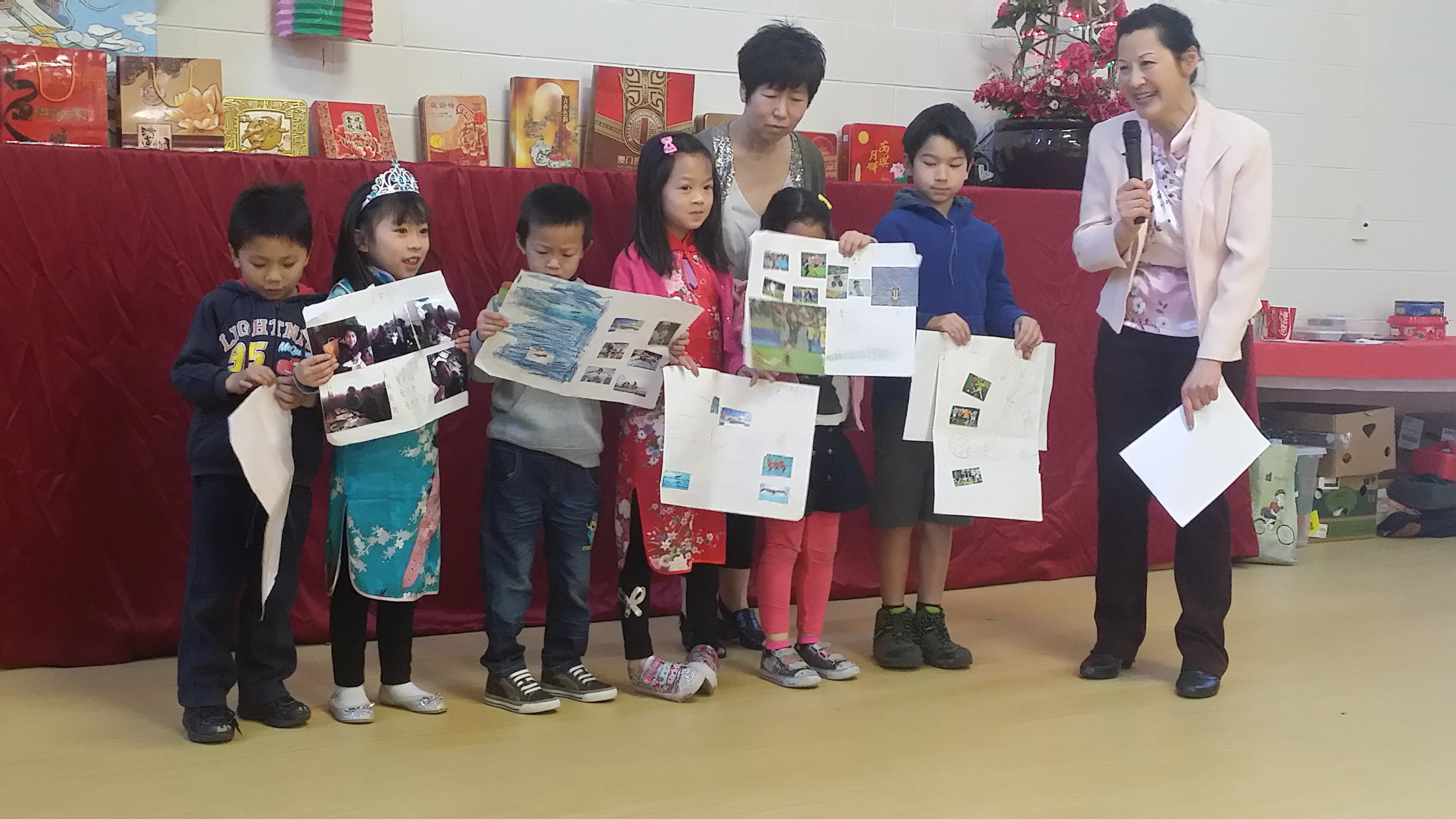 The New Zealand Chinese Association (Canterbury branch) also celebrated the mid-autumn (moon cake) festival and a family day on September 11