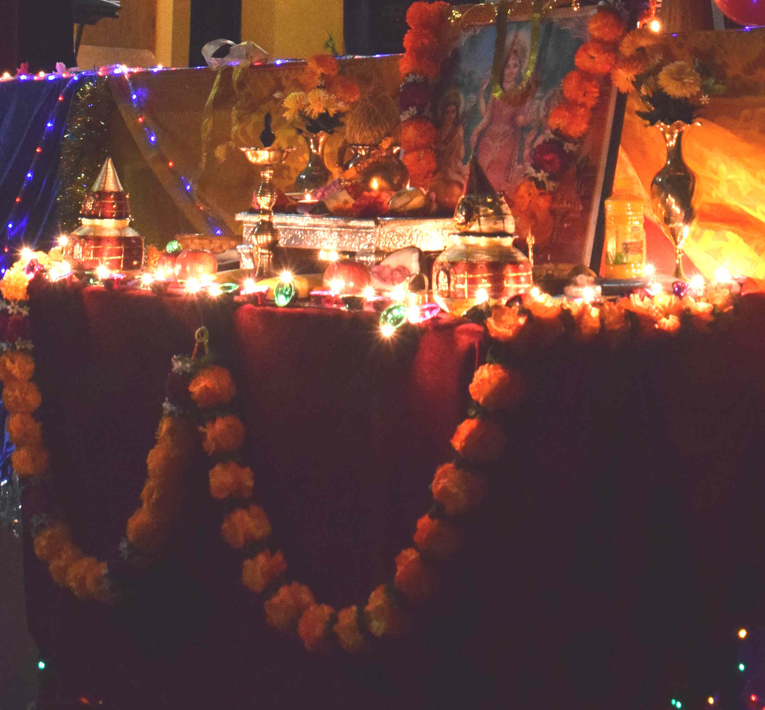 The event started with traditional Diwali prayers