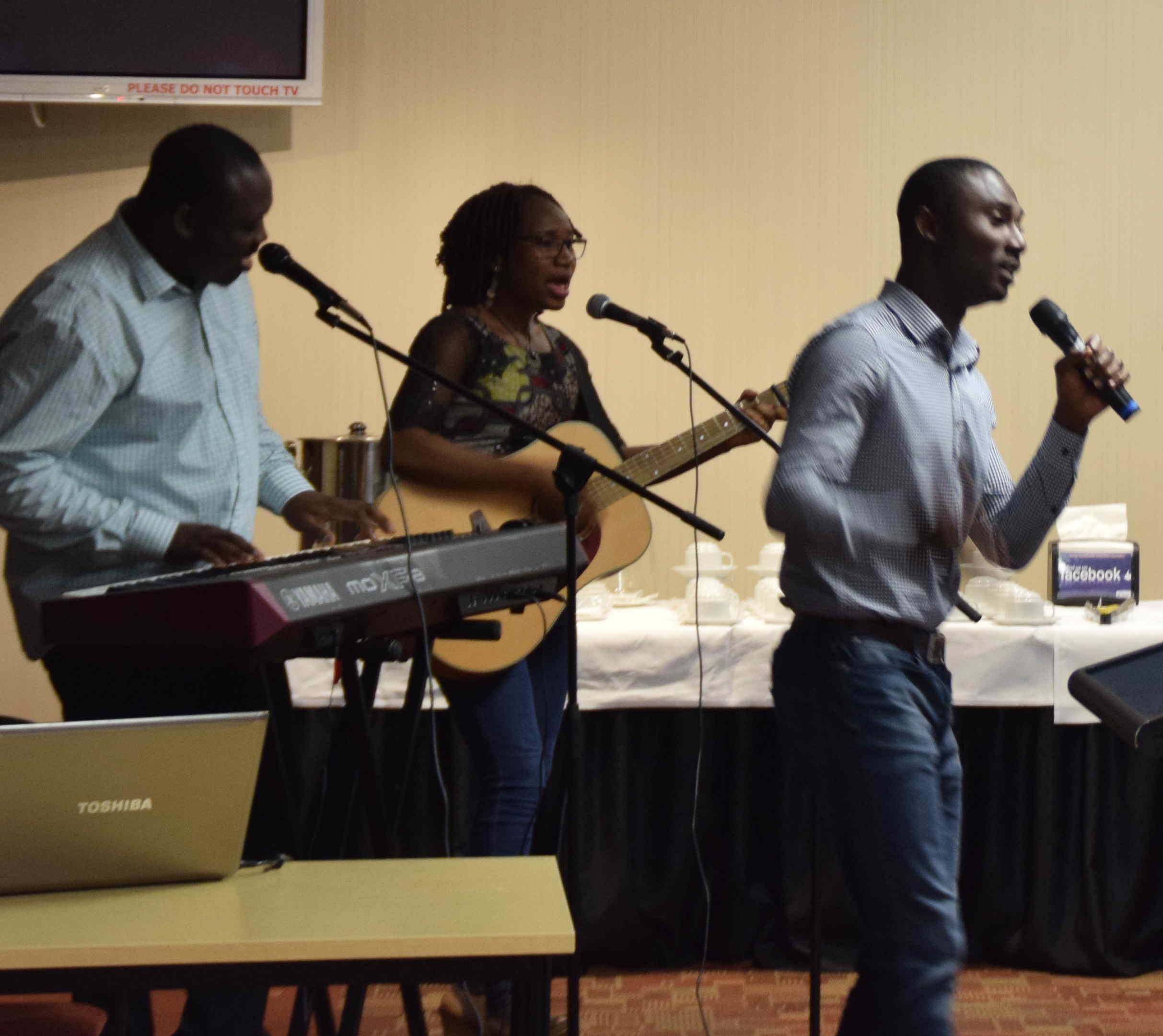 The gathering was entertained by Jumo, Jennifer and Sola playing some traditional West African music