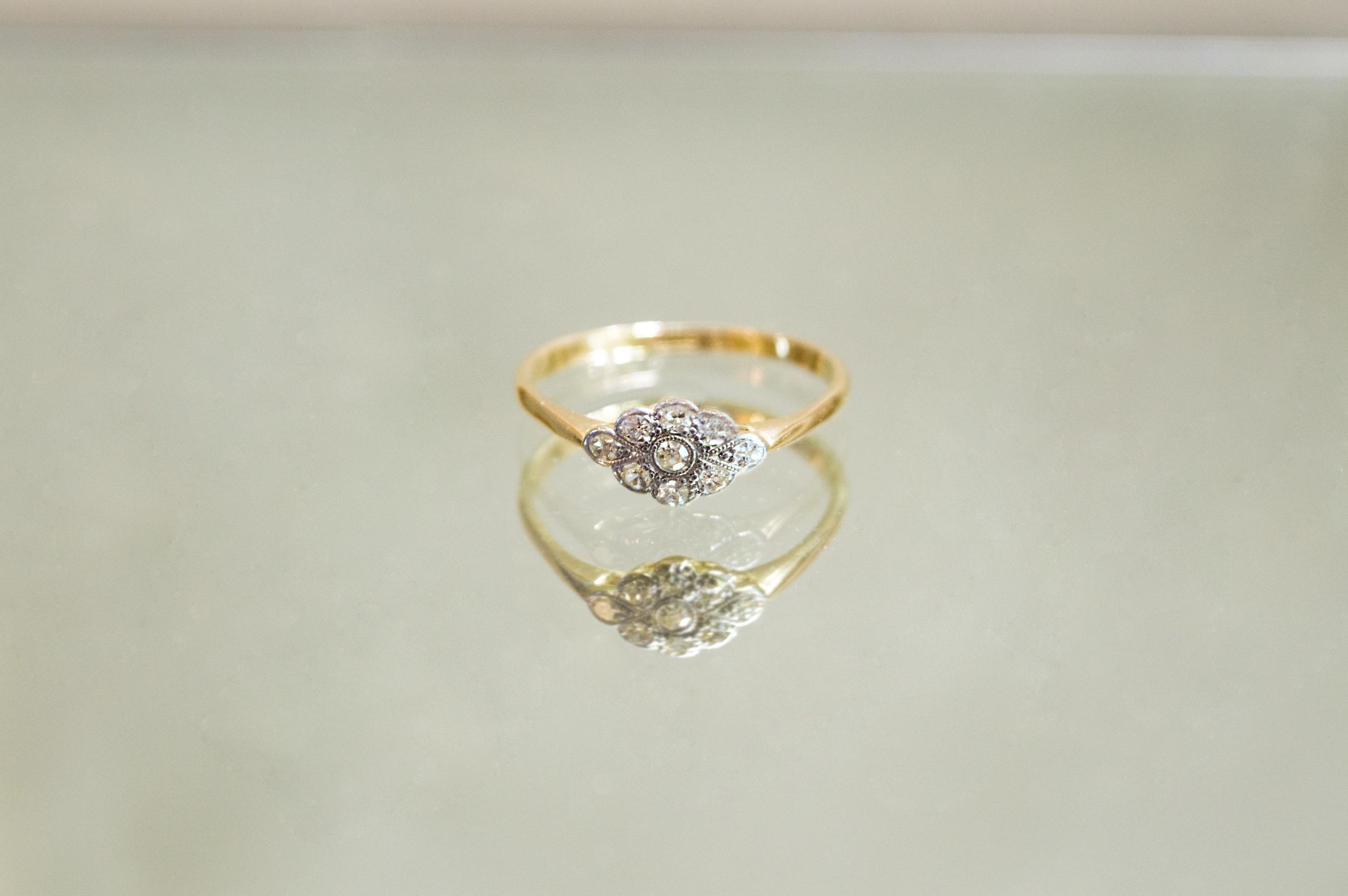 £235 - 18ct Diamond Ring