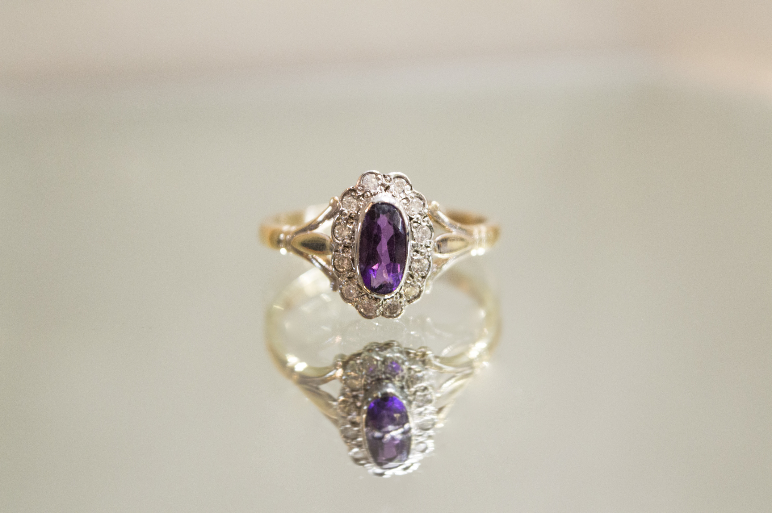 £195 - Diamond & Amethyst Ring
